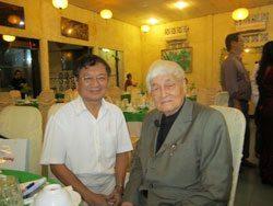 thăm Họa sĩ - bác sĩ Dương Cẩm Chương, lúc cụ 102 tuổi.