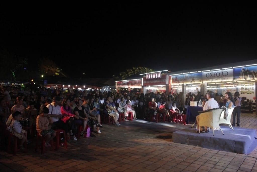 Buổi giao lưu của Bs Đỗ Hồng Ngọc với độc giả Đà Nẵng, 22.4.2017