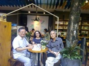 Từ trái : Đỗ Hồng Ngọc, Thu Vàng, Thân Trọng Mẫn (Đường Sách Saigon, 23.02.2017)