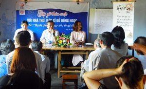 Từ trái: Bác sĩ Huỳnh Kim Hơn (Hội An), Bs Đỗ Hồng Ngọc, Cô Khiếu Thị Hoài